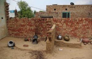e7180e70-389a-11e4-b3ba-0bb2f25e0f1f_6-The-deserted-kitchen-in-Janvi-s-home-in-B